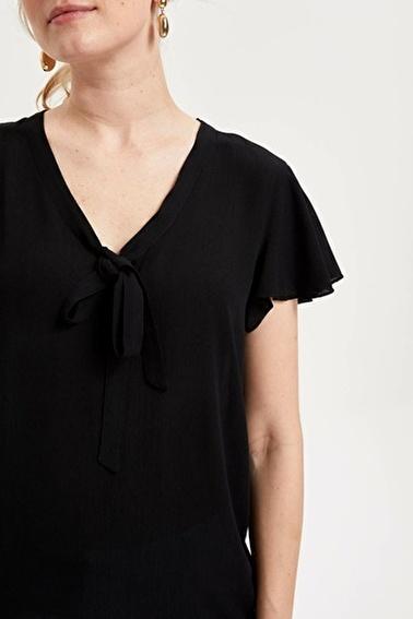 DeFacto V Yaka Volanlı Kollu Bluz Siyah
